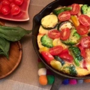 【糖質制限&美肌レシピ】スキレットdeビタミン野菜スパニッシュオムレツ