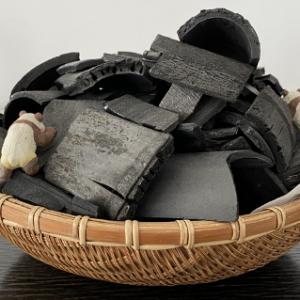 スキンケアから便秘まであなた次第で使用法は無限大の炭パウダーの取り入れ方のご紹介です!