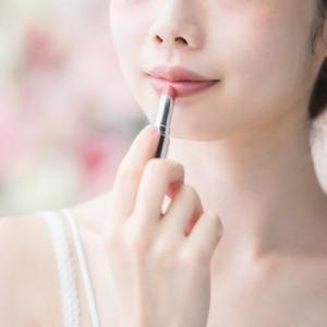 ガサガサに乾燥した唇に 冬でもしっとり潤い持続するリップ特集♡