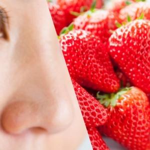 いちご鼻はクリニックでの治療が最適。セルフケアの場合は〇〇を使って!