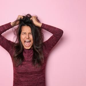 イライラは美容の敵! ストレス解消方法を紹介します。