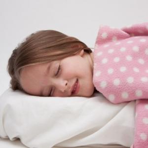 夜中10時から2時に寝ると良いは間違い!? 重要なのは睡眠の「深さ」