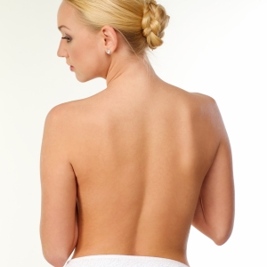 背中のたるみ解決! 肩甲骨をほぐす4つのストレッチ