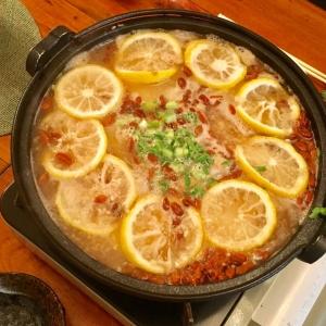 【美肌料理レシピ】ビタミンCがレモンの4倍! ゆず丸ごと手羽元と大根の鍋