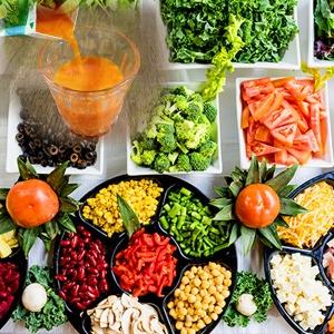 野菜ジュースで野菜不足は解消されない? 実は最重要なアレが取れないんです