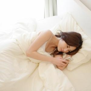 【動画】今夜ベッドでできる!ダイエットに効くエクササイズ10選(1こでもOK)