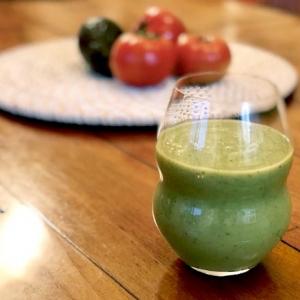 【美容スムージーレシピ】 トマトとアボカドで美白・エイジングケアスムージー