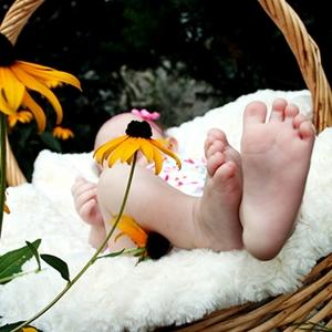 かかと・足裏の角質を赤ちゃんの様なプニプニにしたい!硬くなる原因とケア方法