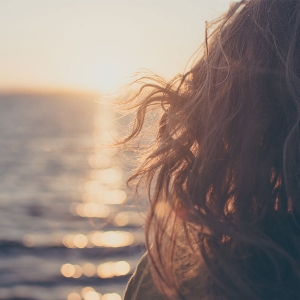 原因を知れば広がる髪の対策はできる!きれいにまとまった髪を取り戻そう